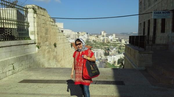На фоне Иерусалима.jpg