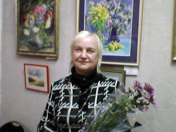 Л. Хлызова на 20-летии клуба СВЕЧА.jpg